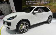 2014 Porsche Cayenne Hybrid 42 Background Wallpaper