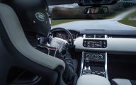 2015 Land Rover Range Rover 34 Background Wallpaper
