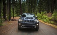 Jeep Grand Cherokee 2 Background Wallpaper