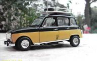 Old Renault Models 22 Free Car Wallpaper