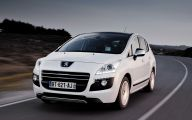 Peugeot Crossover  9 Car Background