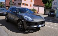 Porsche Macan Turbo 25 Wide Car Wallpaper