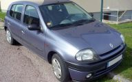 Renault Clio 20 Free Hd Car Wallpaper