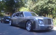 Rolls-Royce Phantom Limousine 19 High Resolution Car Wallpaper