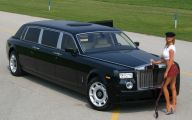 Rolls-Royce Phantom Limousine 2 Background Wallpaper