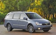 Kia Sedona 2 Free Wallpaper