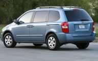 Kia Sedona 5 Widescreen Car Wallpaper