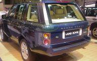 Land Rover Mall Display 19 Car Desktop Wallpaper