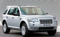 Land Rover Mall Display 26 Wide Car Wallpaper