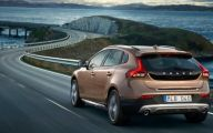 Latest Volvo Car 17 Background