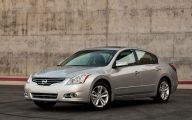 Nissan Sedan 16 Cool Wallpaper