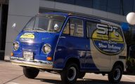 Subaro Mini Van 8 Free Wallpaper