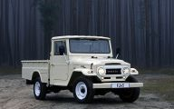 Toyota Pick Up Series 4 Free Wallpaper