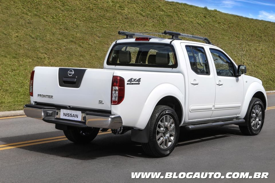 2015 nissan frontier 30 - photo #2