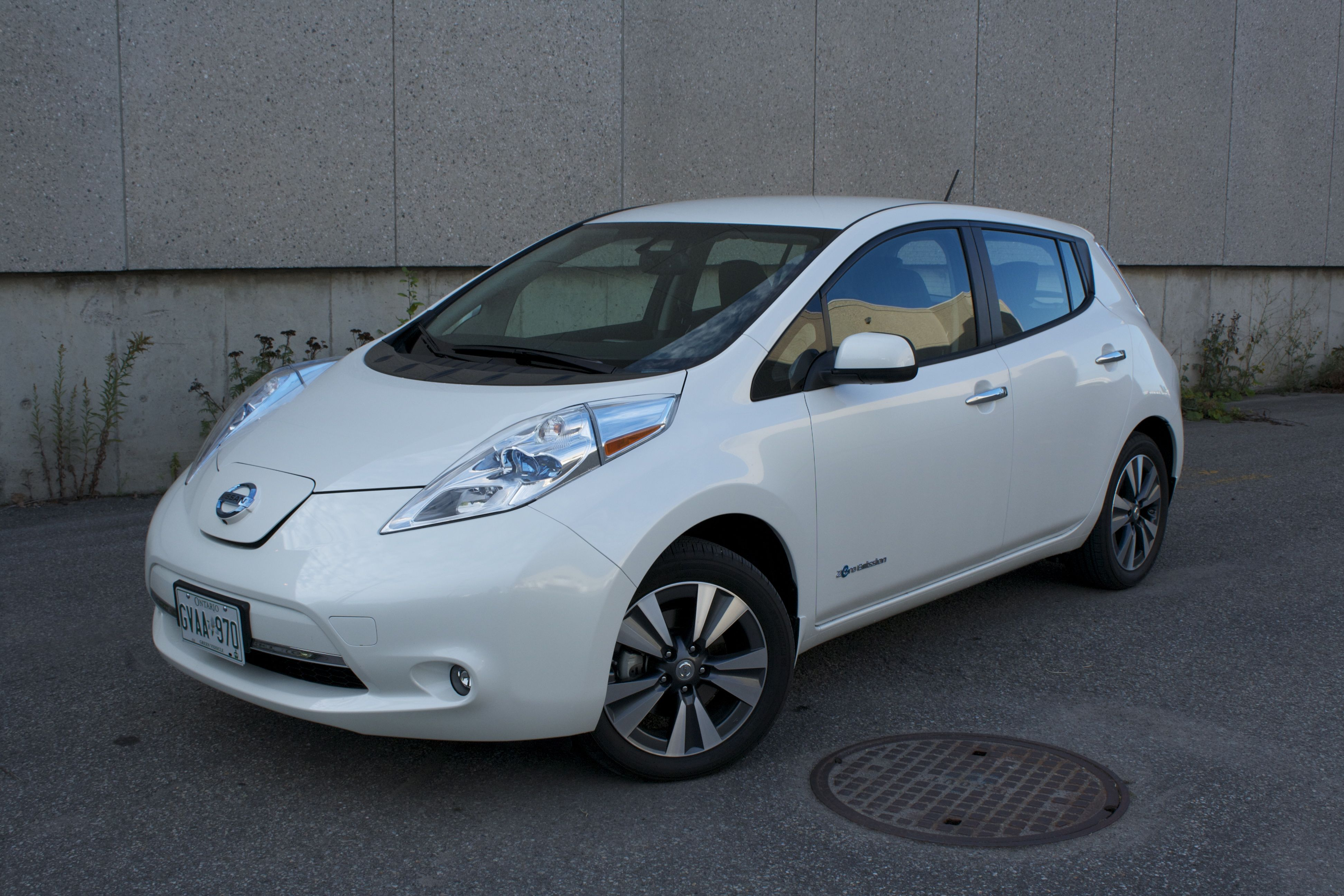 2015 nissan leaf 21 cool car wallpaper. Black Bedroom Furniture Sets. Home Design Ideas