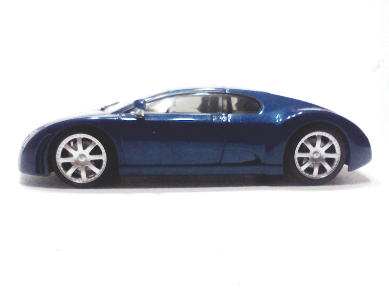 Bugatti Chiron 16 Car Desktop Background