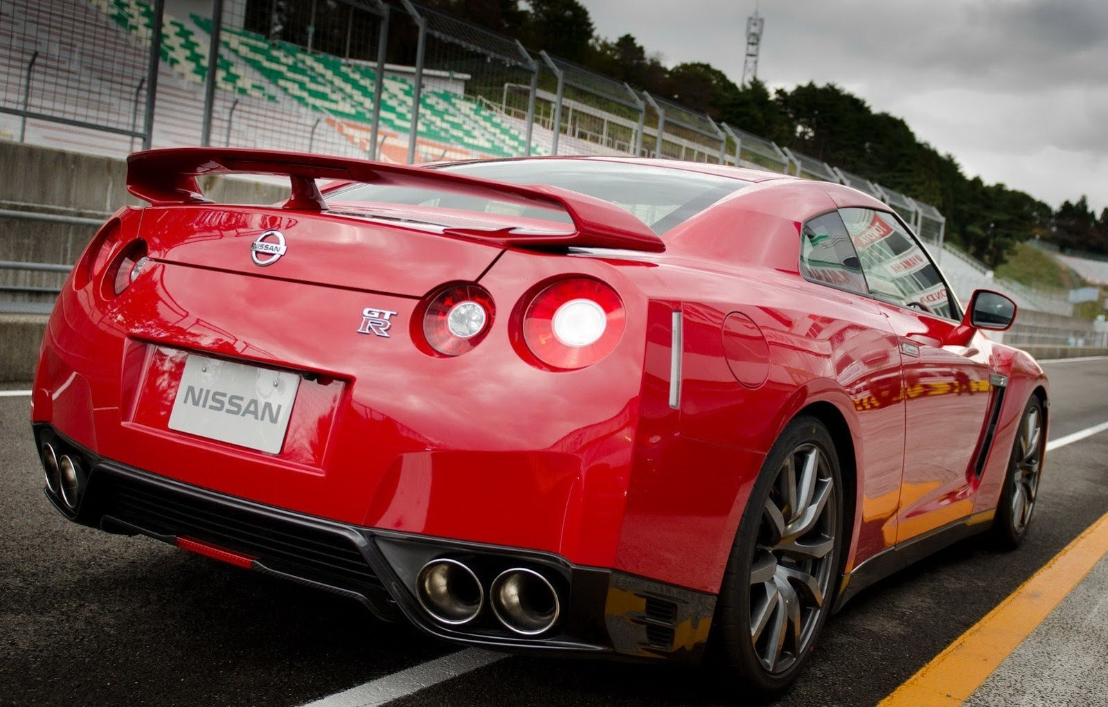 Nissan Gtr 2 Cool Car Wallpaper Carwallpapersfordesktop Org