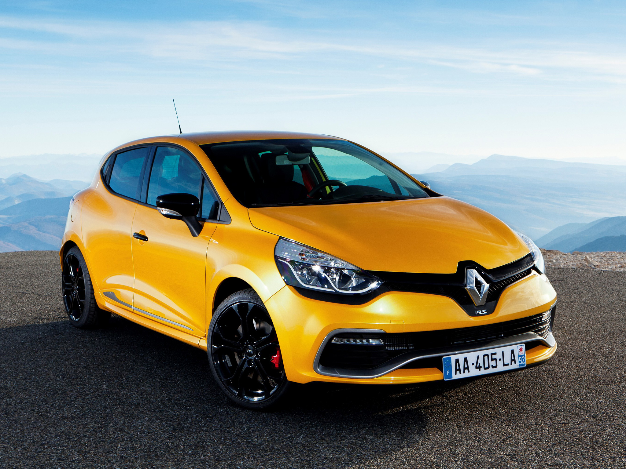 Renault Clio 3 Free Car Wallpaper