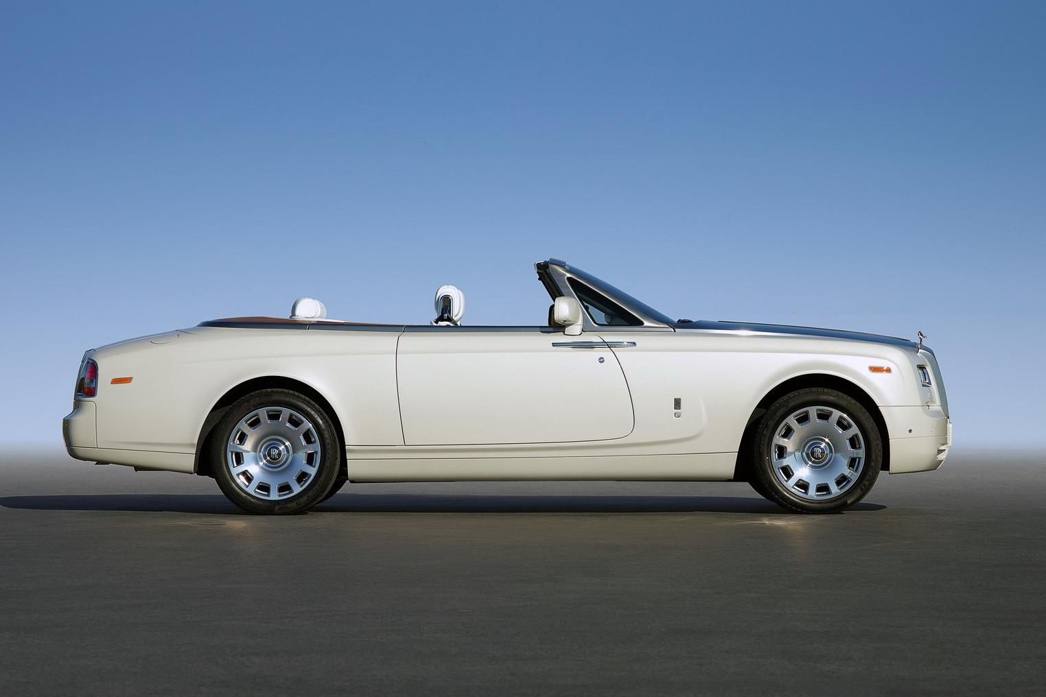 rolls royce phantom coupe 11 free car wallpaper. Black Bedroom Furniture Sets. Home Design Ideas