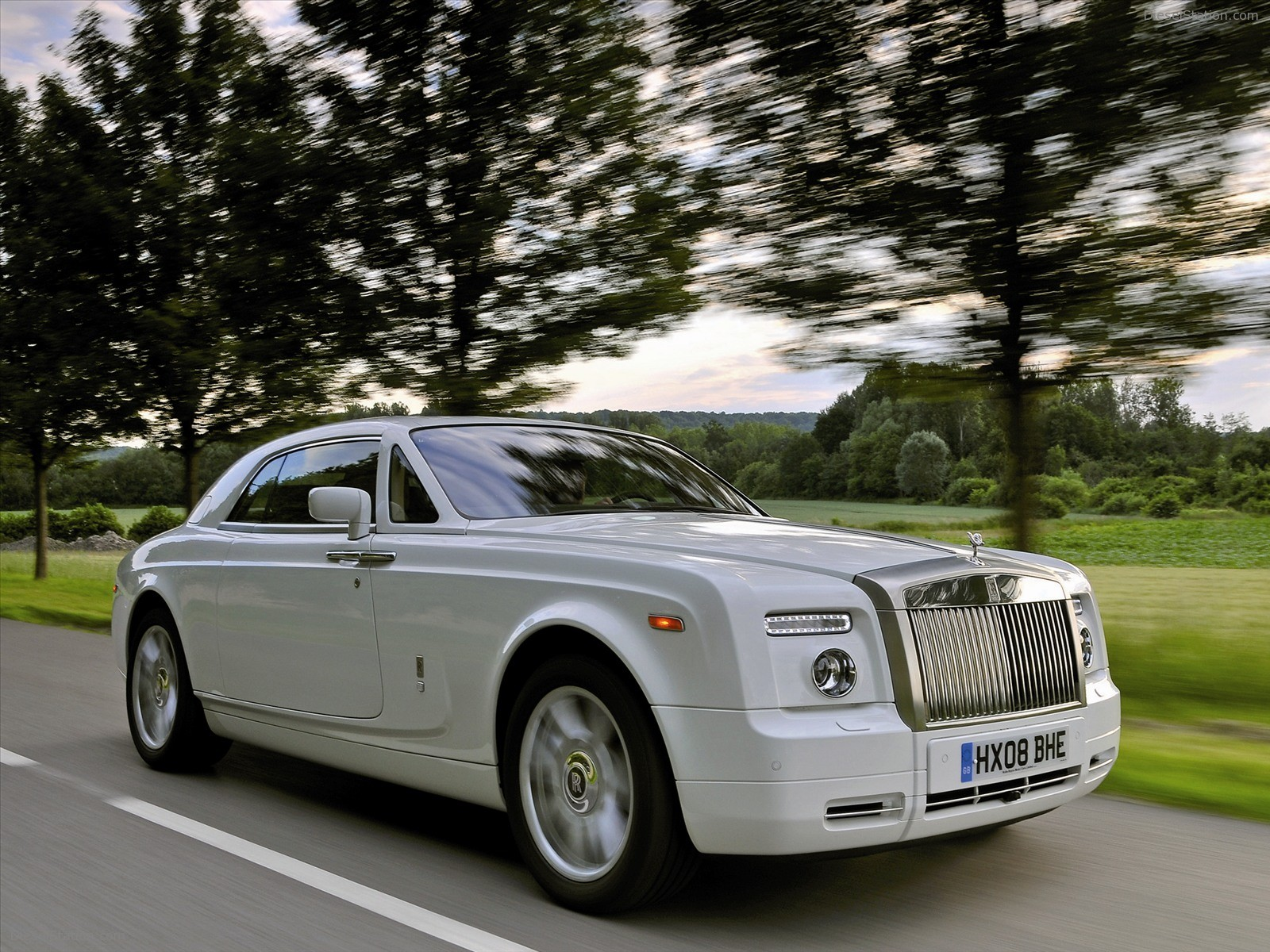 rolls royce phantom coupe 10 background wallpaper. Black Bedroom Furniture Sets. Home Design Ideas