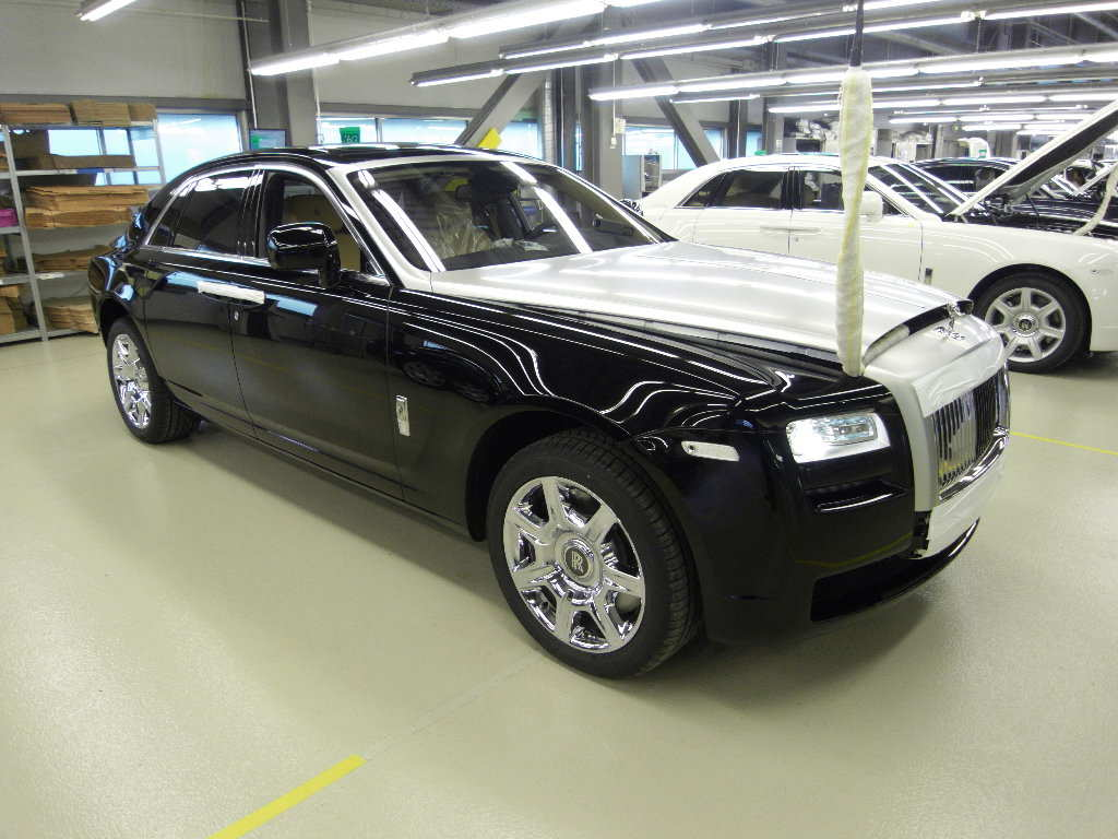 Used rolls royce cars for sale 34 free car wallpaper for Wallpaper rolls for sale