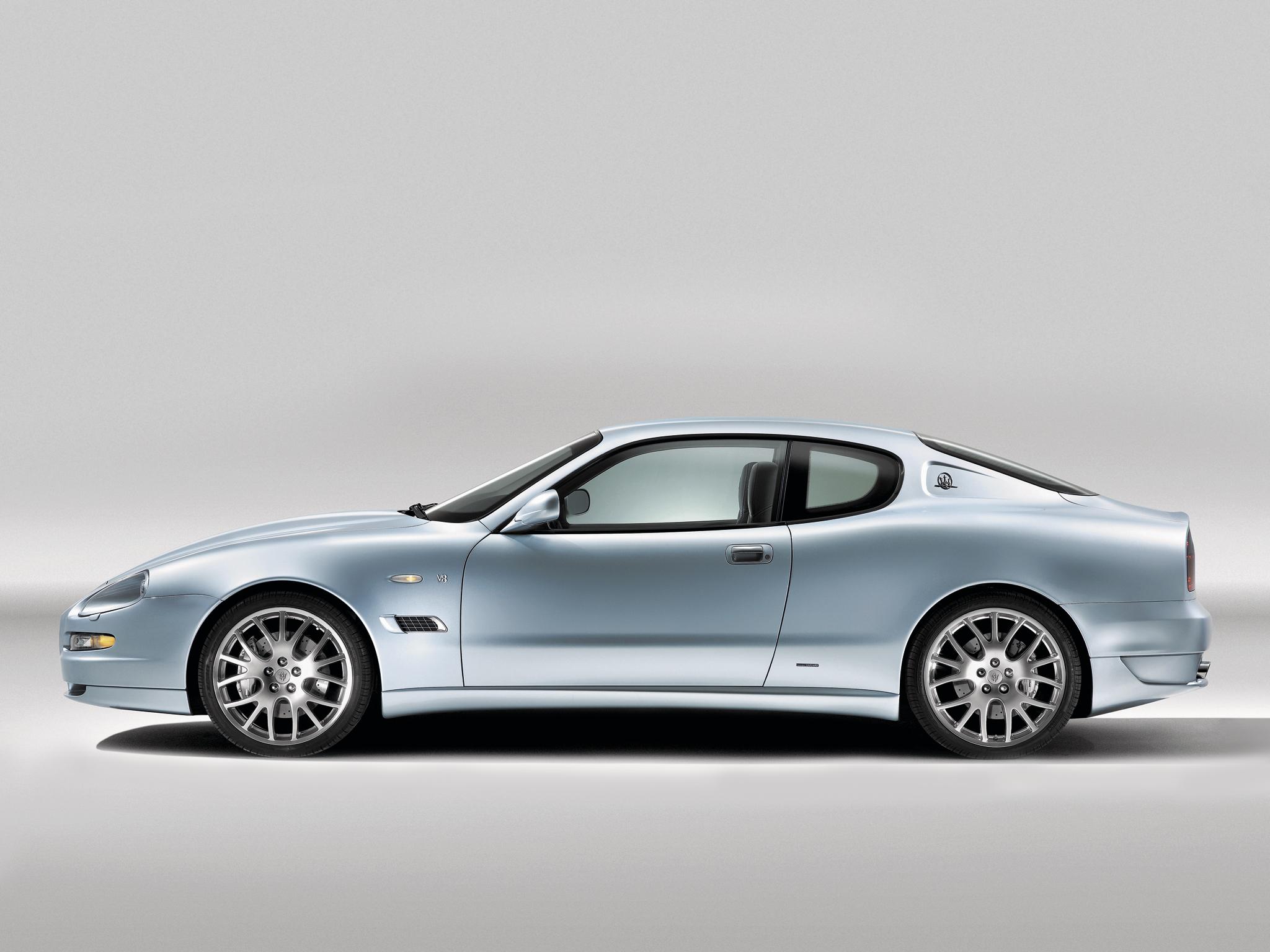 2004 Maserati Coupe 40 Car Desktop Background