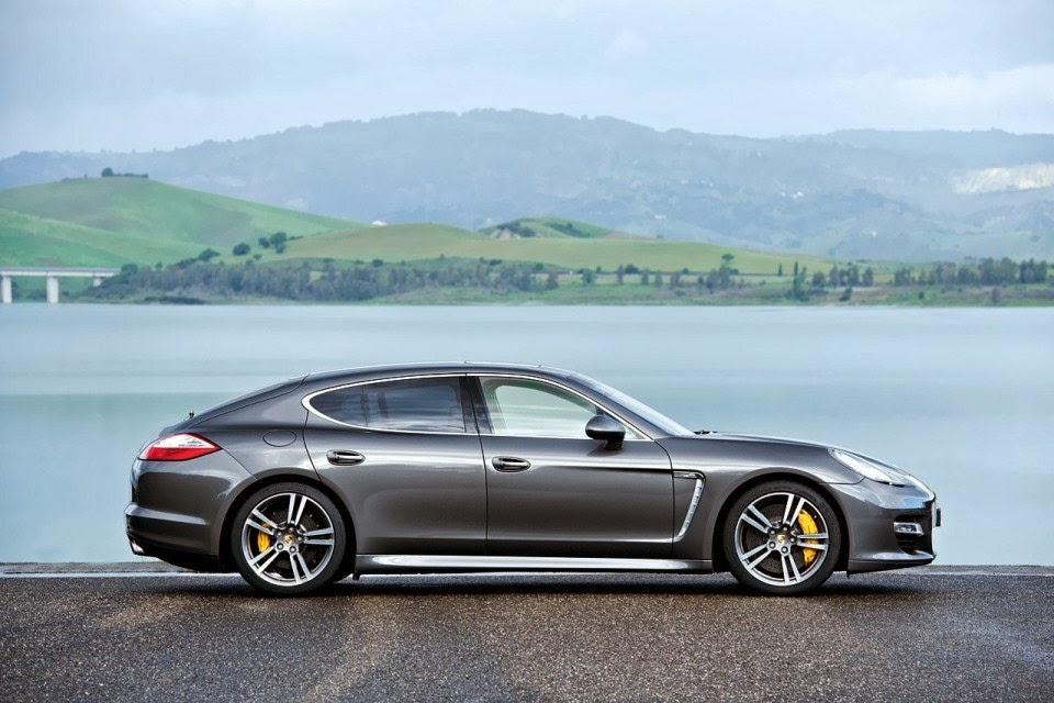 price of porsche panamera 4 car background. Black Bedroom Furniture Sets. Home Design Ideas