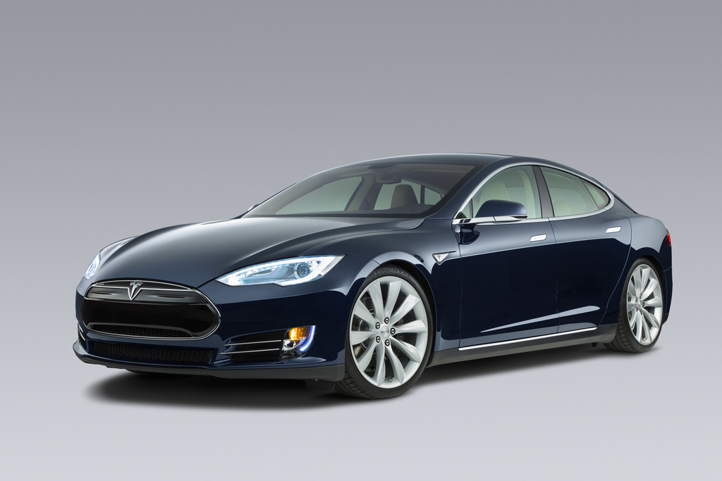 Tesla Automatic Car Display 11 Free Wallpaper