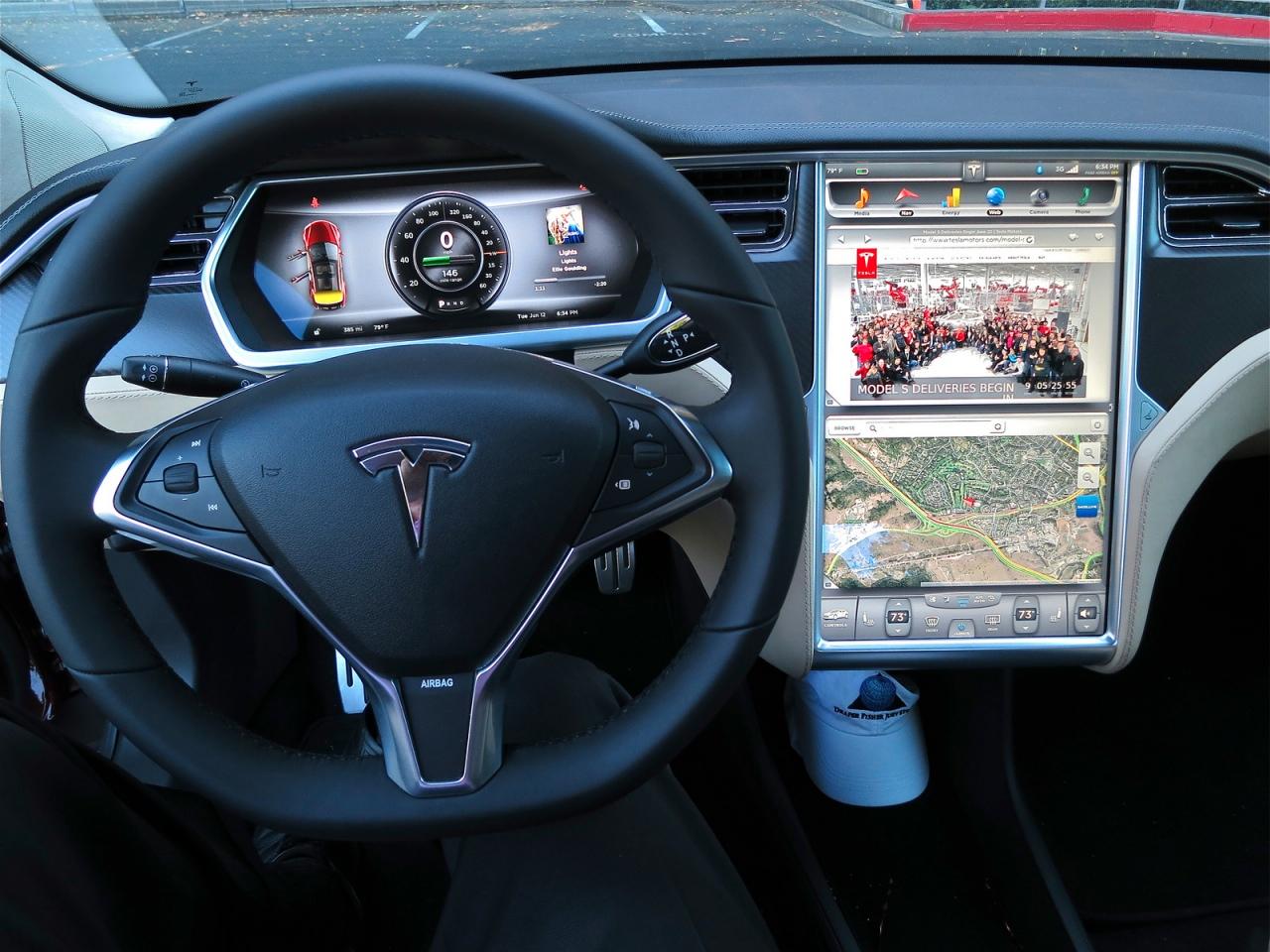 Tesla Automatic Car Display 42 Hd Wallpaper