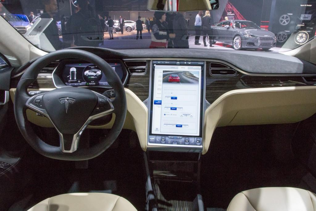 Tesla Automatic Car Display 7 Free Car Wallpaper
